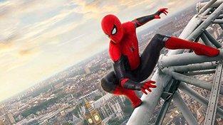 Filmové premiéry: Spider-Man čelící novým výzvám a městečko plné zombie