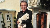Zvířata Karla Gotta: Stella a Kryšpín truchlí nad ztrátou svého páníčka
