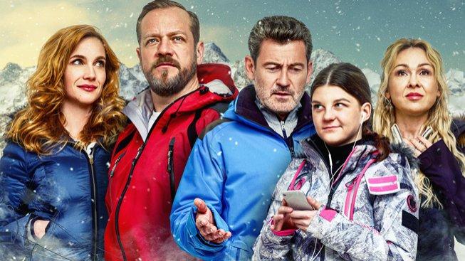 Filmové premiéry: Komedie ze zasněženého Špindlu a oblíbení kutilové