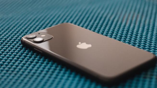 Sleva 10 tisíc. Black Friday srazil ceny nejlepších telefonů od Applu a Samsungu