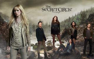 Tajného Kruhu, Cassie jim odmítá věřit – dokud jí Adam neukáže, jak využít.