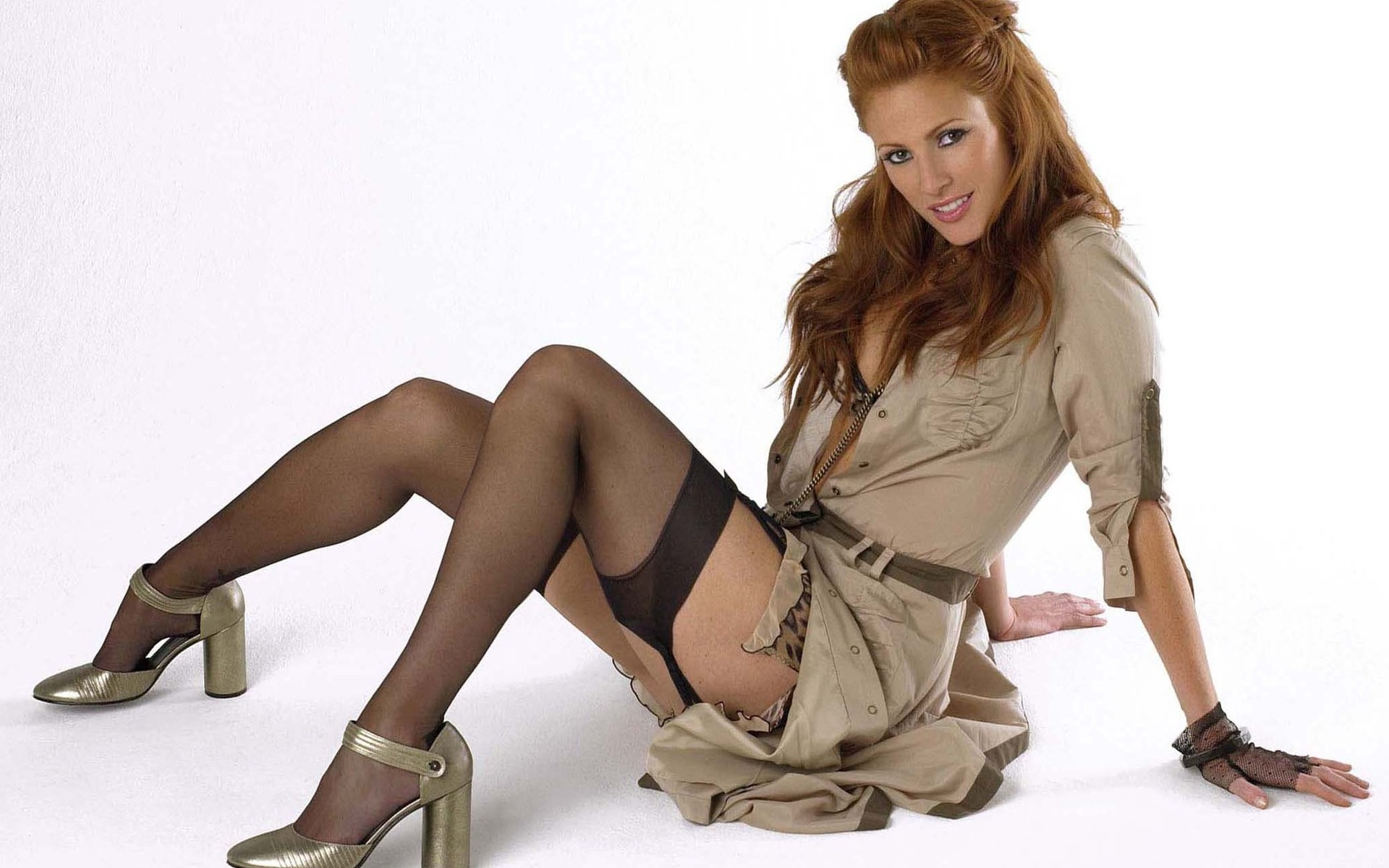 Lindy booth nude pics
