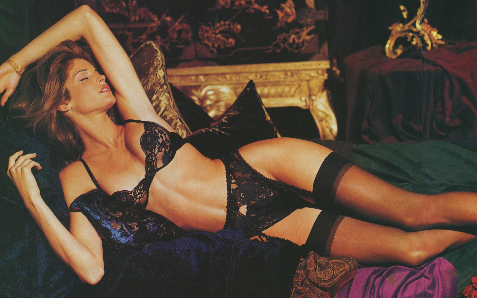 Stephanie Seymour Trying On Lingerie In Italy
