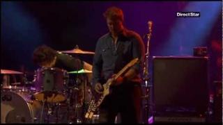 [06] Queens of the Stone Age - The Fun Machine Took a Shit and Died (Eurockéennes 2011) *HQ*