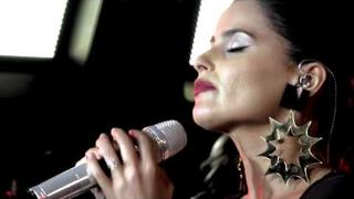 "102.7 KIIS-FM Online Exclusive: Nelly Furtado ""Say It Right"" Live Acoustic"