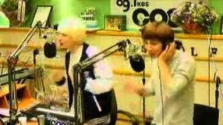 111115 Eunhyuk Leeteuk sing NOBODY (WONDERGIRLS)