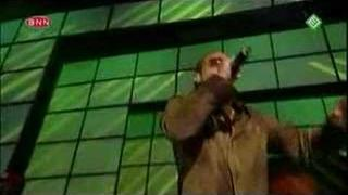2001-03-23 - Shaggy ft. Rikrok - It Wasn't Me (Live @ TOTP)