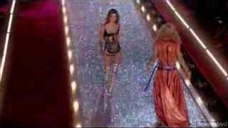 2003 Victoria's Secret Fashion Show Parte 1