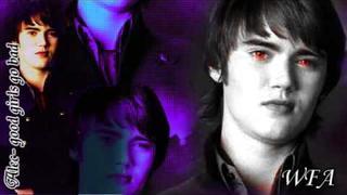 Alec Volturi ; Good girls go bad