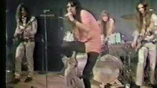 Alice Cooper live in Detroit 1971 - Is It My Body