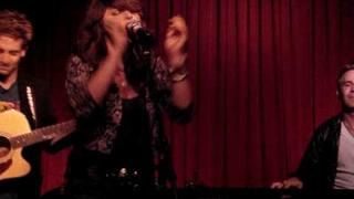 Alisan Porter - The End song into 4 non blondes Cover What's up