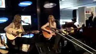 Aly & AJ - Rush (live)
