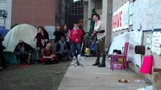 "Amanda Palmer at Occupy Boston plays ""The World Turned Upside Down"""