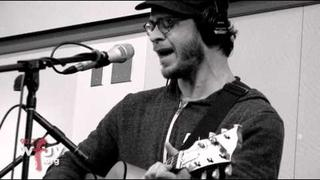 """Amos Lee - """"Windows Are Rolled Down"""" (Live @ WFUV)"""