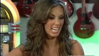 Anahí le canta a su ex novio (Entrevista Univision 4/10)