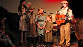Angelo Kelly And His Little Family Singing PEACEFUL HOME