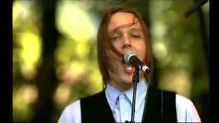 Arcade Fire - Neighborhood #2 (Laika) - 2005/08/25