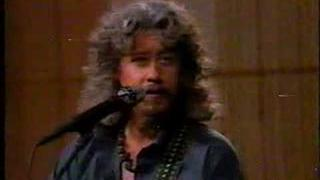 Arlo Guthrie Thanks the Narcs