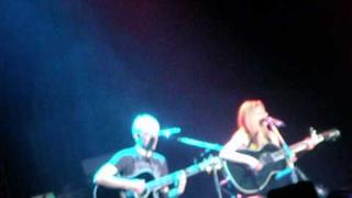 Avril Lavigne & Evan Taubenfeld - Tomorrow/Push (Live 01/10/11)