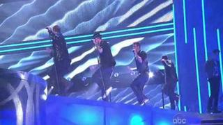 BackStreet Boys & New Kids On The Block = NKOTBSB (Performance In American Music Awards 2010)