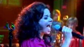 Björk - Earth Intruders (Later with Jools Holland)