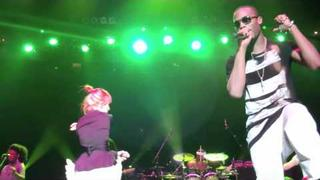 "BoB & Hayley Williams ""Airplanes"" 1st Real Performance together in Nashville"