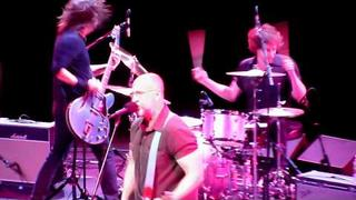 Bob Mould & Dave Grohl - Chartered Trips & New Day Rising (Disney Hall, Los Angeles CA 11/21/11)