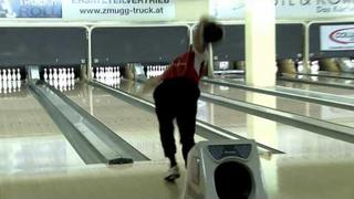 Bowlingdigital's 2010 VO - Chris Barnes shoots the 4th 300 game of the 8th Columbia 300 Vienna Open