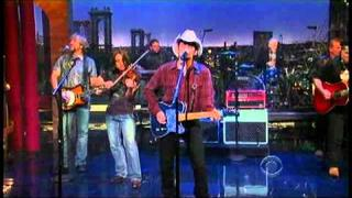 "Brad Paisley - ""Water"" 11/3 Letterman (TheAudioPerv.com)"
