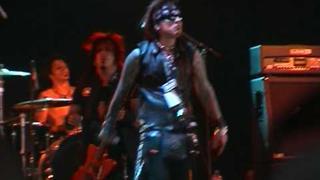 Brides Of Destruction '*i dont care* Download festival June 6 2004