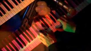 "Bruce Hornsby and the Noisemakers - ""Mandolin Rain"""