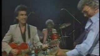 Carl perkins & Friends No:1 - Everybody's Trying to be my Baby (vocals by George Harrison)