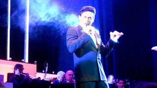 Carlos Marin - Tom Jones Medley -25/06/11