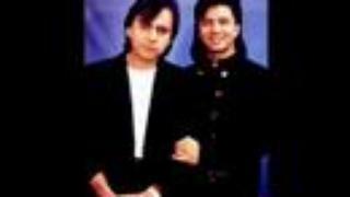 Chitaozinho & Xororo with Barry Gibb - Palavras (Words)