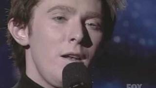 Clay Aiken Performs Solitaire on American Idol 3