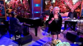 Cyndi Lauper performs Blue Christmas on GMA!
