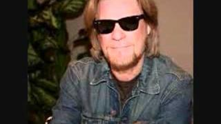 Daryl Hall Speaks About Persistent Lyme Infection