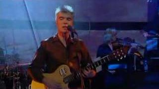 David Byrne - Glass, Concrete, Stone Live Jools Holland 2004