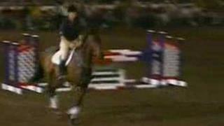 David O'Connor riding bridleless in a parelli show