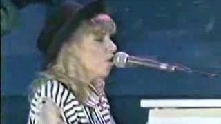 Debbie Gibson Foolish Beat (live concert)