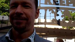 """Donnie Wahlberg at the """"Zookeeper"""" premiere"""
