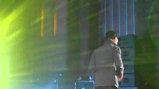 Don't Stop Believin' - JC Chasez (close up)