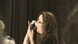 Dragon*Con - Mary McDonnell calls Edward James Olmos