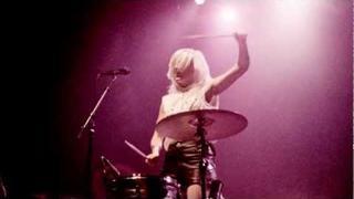 Ellie Goulding - Music Runs Ellie