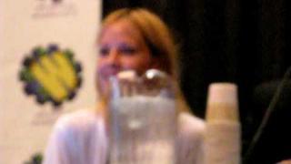 Emma Caulfield on Alyson Hannigan.