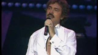 Engelbert Humperdinck - If we only had love/ If you love me