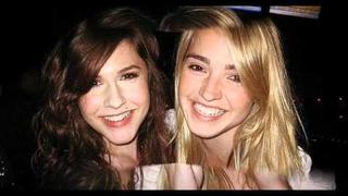 Erin Sanders and Katelyn Tarver