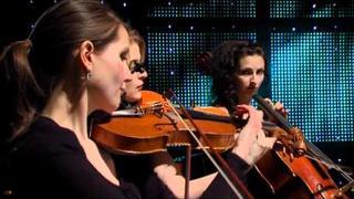 Ewa Farna + Čechomor - Ławeczka/Lavečka- Národní Divadlo 2010