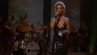 Faith Hill - When The Lights Go Down (Amazing Performance)