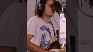 Felix Mallard singing